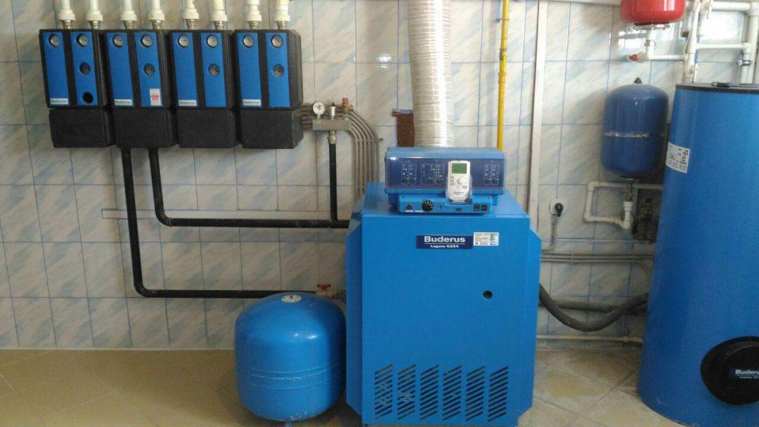 Монтаж напольного газового котла Buderus logano G234 и бойлера косвенного нагрева